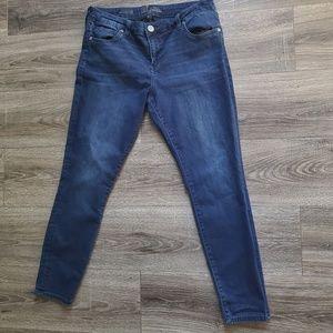Kut from the Kloth • Dakota Ankle Skinny Jeans